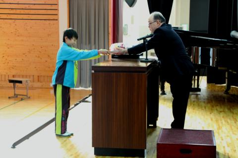 2014 12 冬休み前集会4