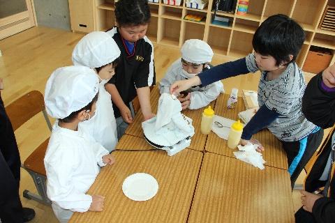 H27 04 たんぽぽ・ひまわり お菓子作り