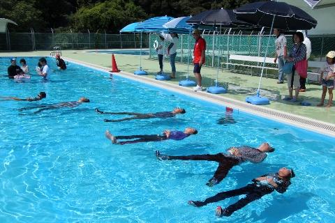 H27 08 着衣泳体験3