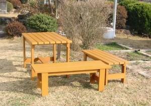 ベンチ・テーブル